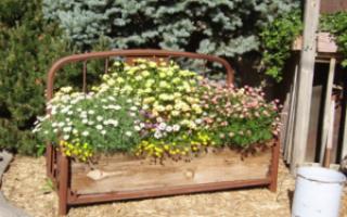 Дачные поделки своими руками для украшения сада: варианты оформления, их реализация, фото