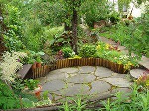 Оформление двора в частном доме