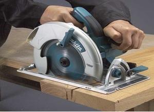 Описание ручной дисковой электропилы Makita