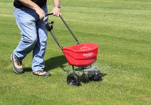 Функциональные свойства сеялок для газонной травы