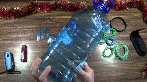 Описание процесса изготовления кормушки для птиц из пластиковой бутылки