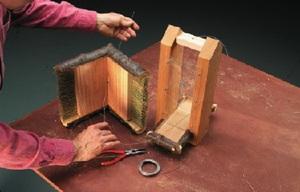 Поэтапное описание способа изготовления своими руками кормушки из дерева