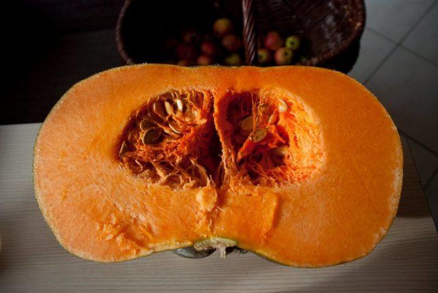 Количество белка в тыкве больше, чем в куриных яйцах, а каротина в 5 раз больше, чем в моркови!